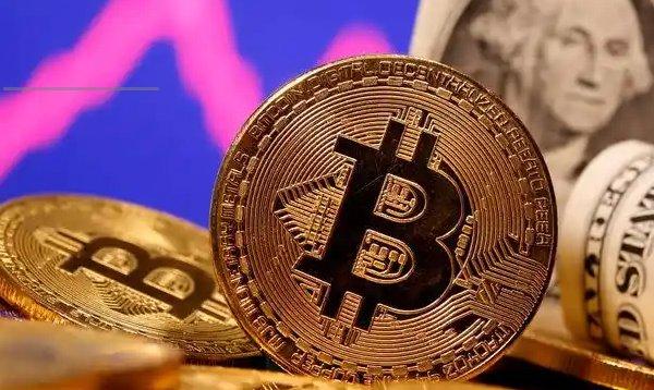 BItcoin tumbles below $40,000 after China issues trade warnings